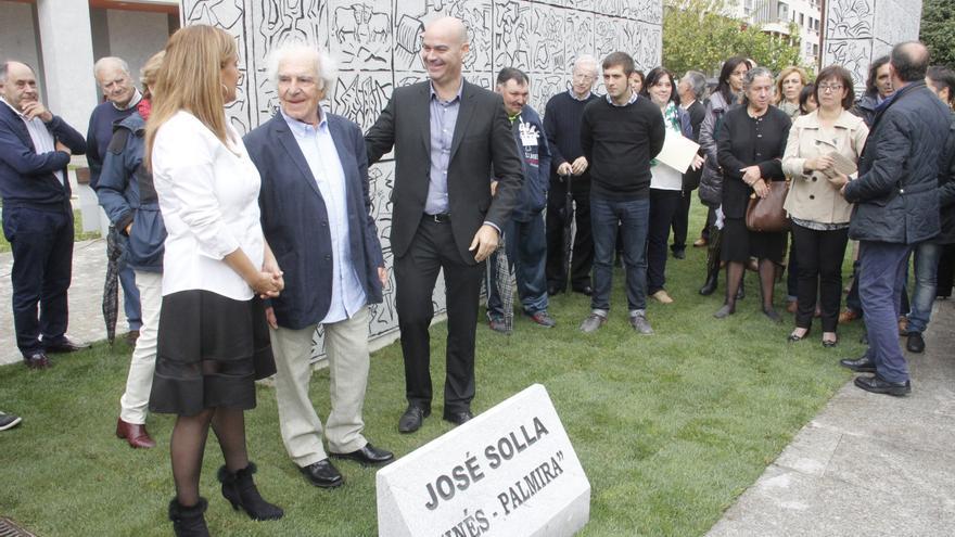 Bueu llora al artista José Solla