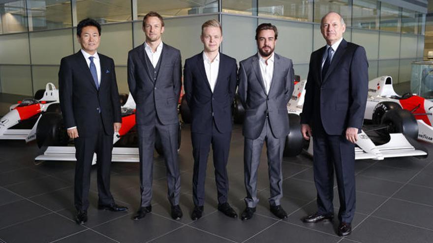 Alonso, único superviviente de la foto maldita de McLaren