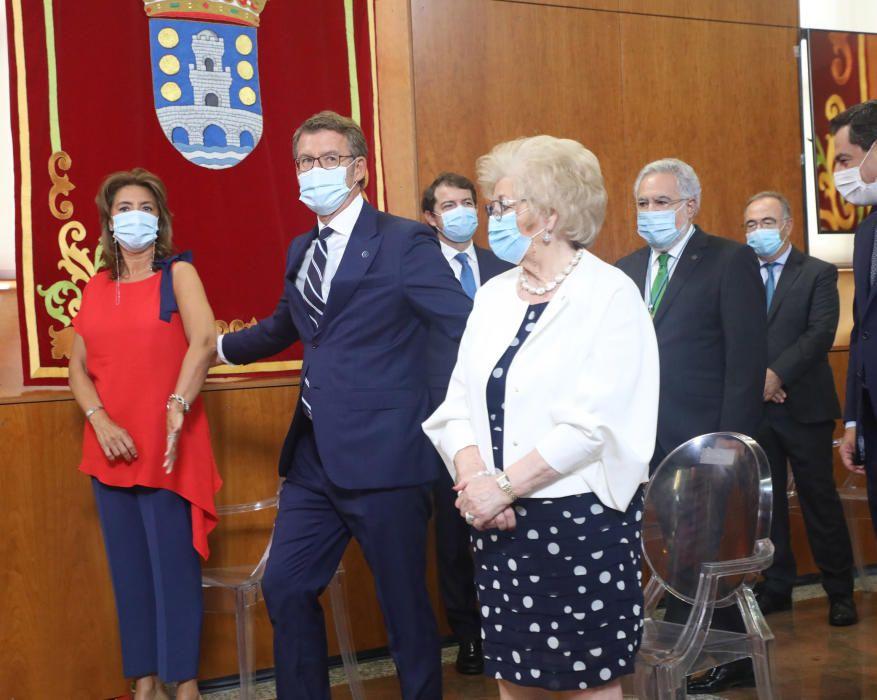 El acto, celebrado en el Parlamento, ha contado con la presencia de diferentes personalidades políticas y civiles. // Xoán Álvarez