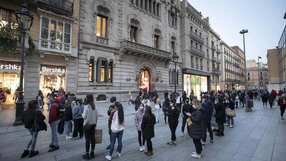 España abandona el nivel de alto riesgo de expansión del covid
