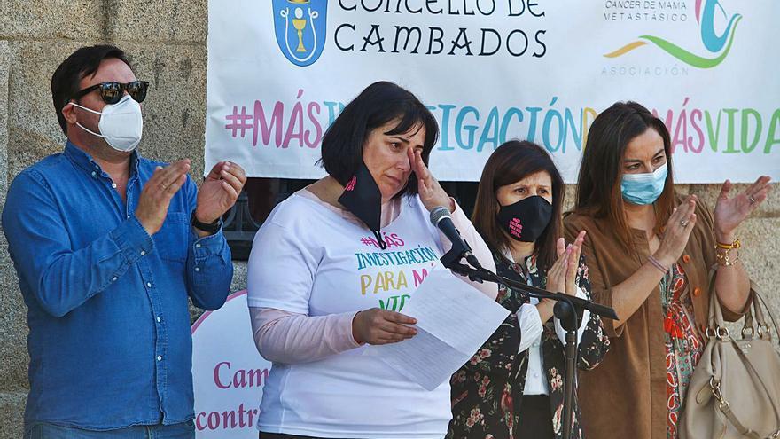 Cambados se tiñe del rosa más solidario con motivo del día mundial del cáncer de mama metastásico