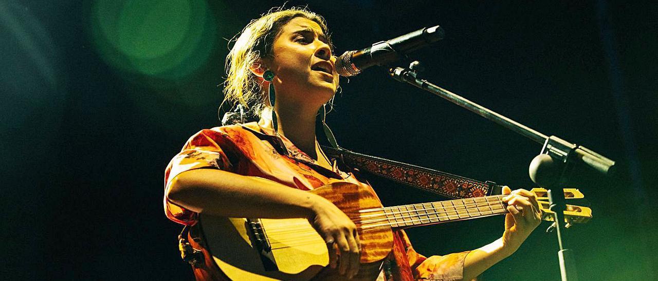 El 20 de julio Silvana Estrada actuó en Madrid, en la Plaza de la Armería del Palacio Real.  |  HELENA LLUM