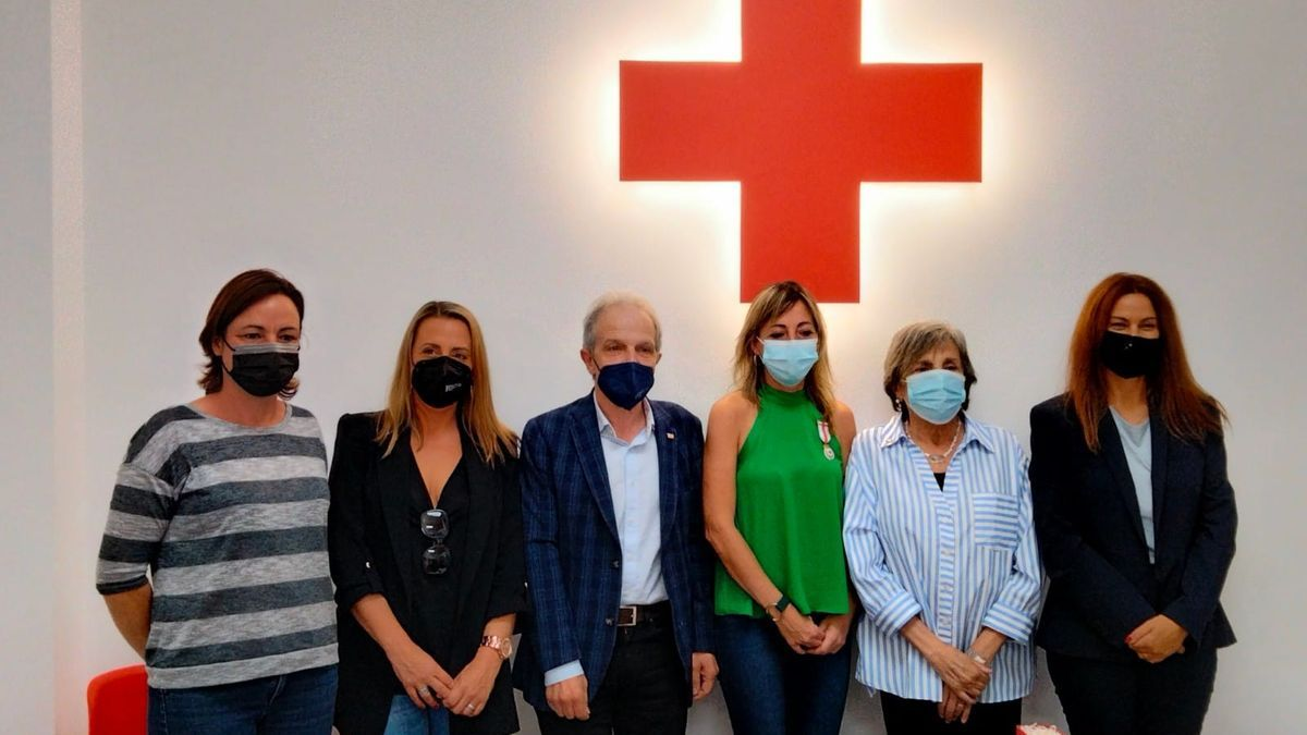 L'acte va ser conduït per la vicepresidenta de Creu Roja a Llançà, Candace Coughlin, i es va celebrar a la seu de la Creu Roja a Llançà