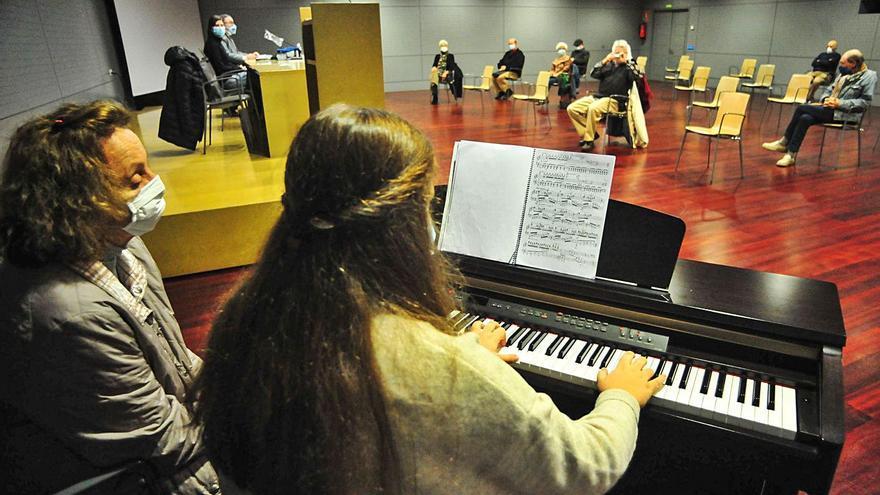 La poesía centra los actos culturales del Auditorio Municipal de Vilagarcía