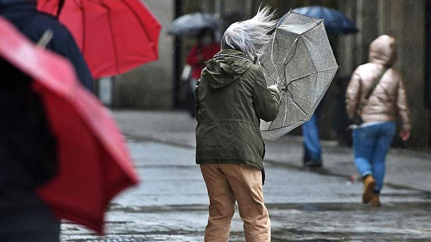 La borrasca supera las previsiones con vientos de 140 km por hora y lluvias de 90 litros