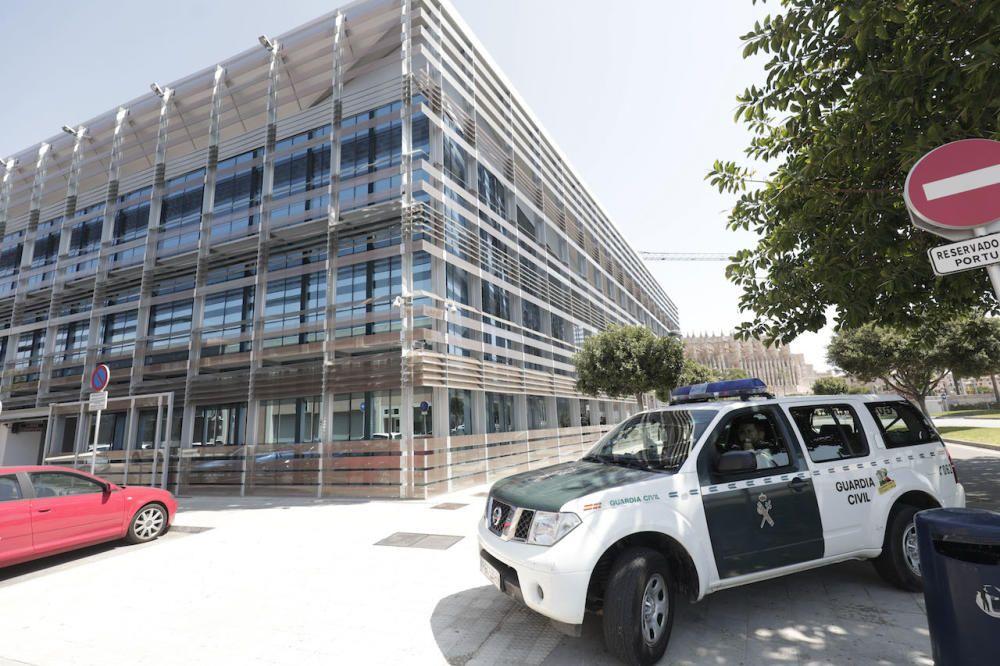 Registros en la sede de la Autoridad Portuaria de Baleares.