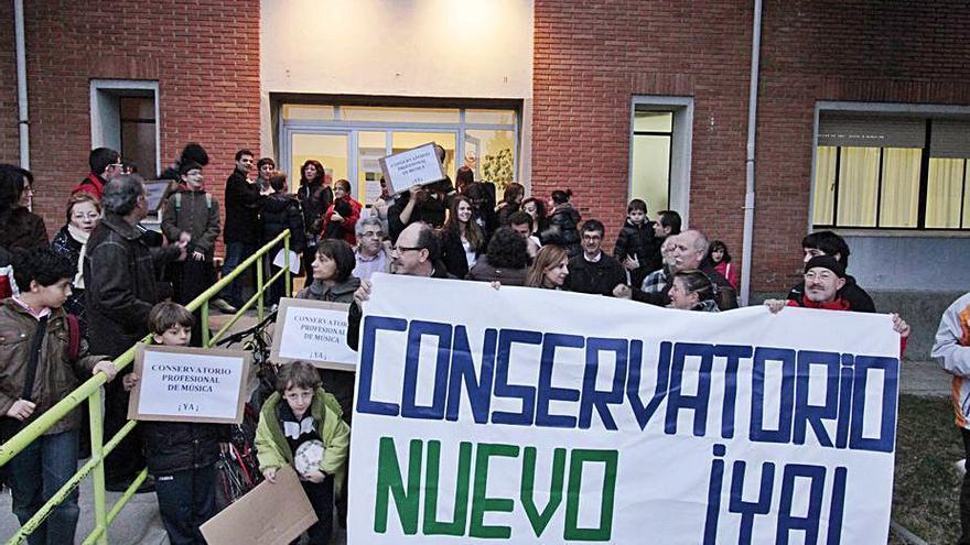 Padres del Conservatorio recogen firmas en Zamora contra los recortes en educación musical