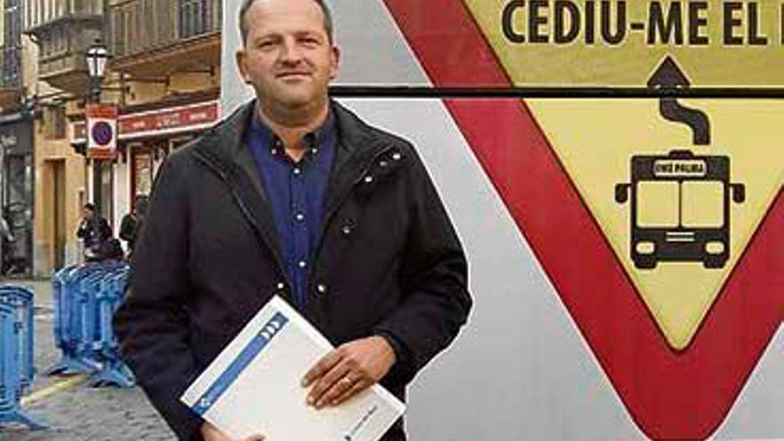USO y SATI denunciarán penalmente al gerente de la EMT por malversación