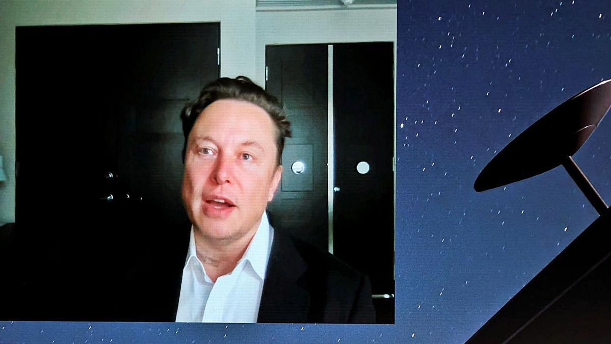 Elon Musk durant la xerrada virtual que va fer ahir al MWC  | NACHO DOCE/REUTERS