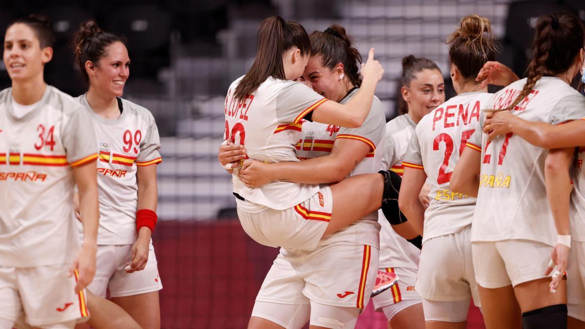 España se impone 27-23 a Brasil.