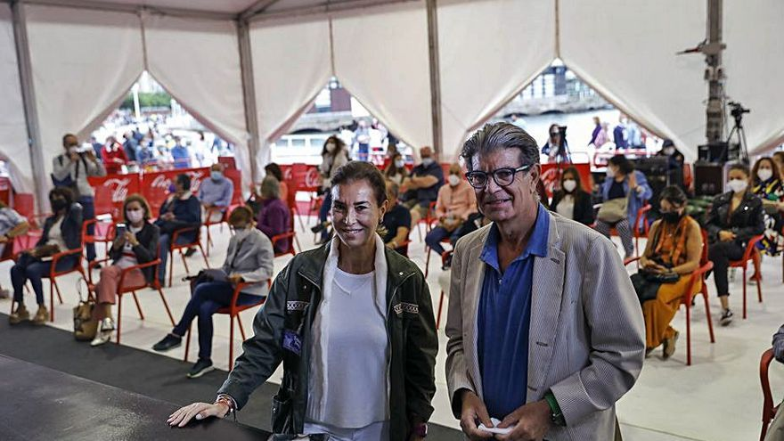 "Carmen Posadas trae la ""perla más famosa"" a Gijón"