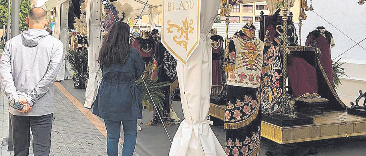 El Paso Blanco 'cambia' su procesión por una exposición
