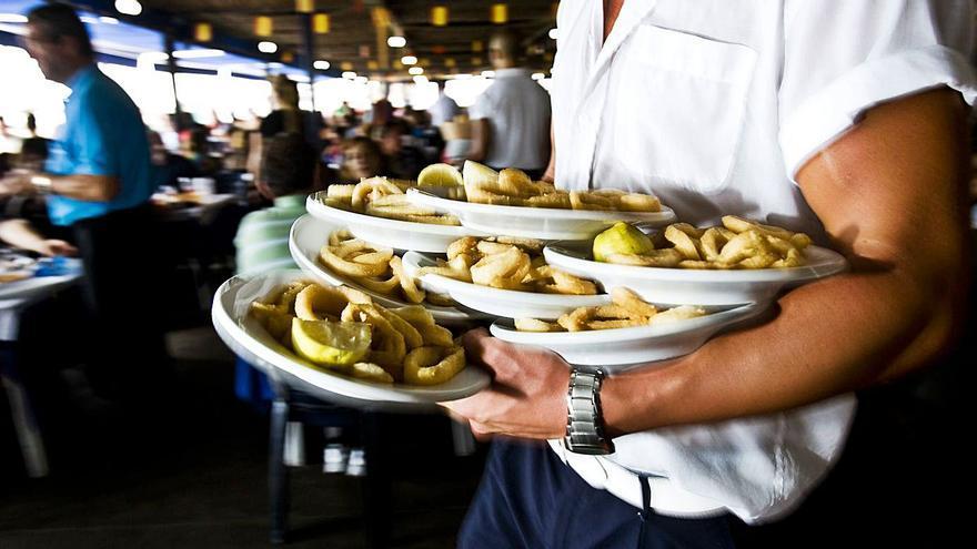 Uno de cada diez contratos que se firma en la provincia de Alicante es de camarero