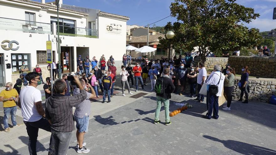 """El sector turístico de Magaluf redobla su movilización: """"Estamos en la ruina"""""""