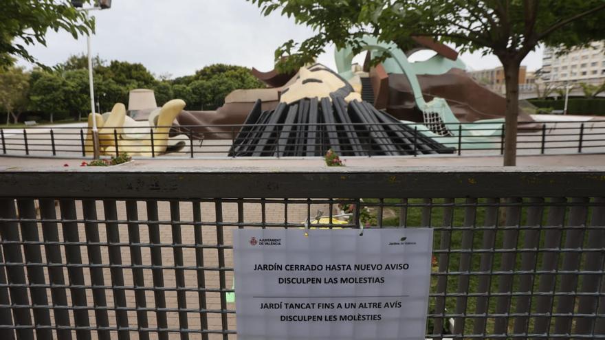 La nueva pintura del Gulliver da alergia a los niños y obliga a cerrar el parque