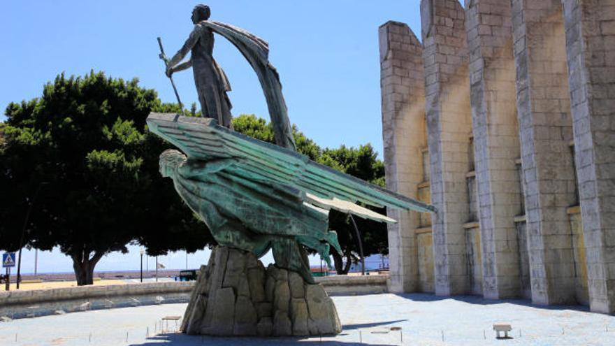 Santa Cruz retoma la eliminación de los símbolos de exaltación al franquismo