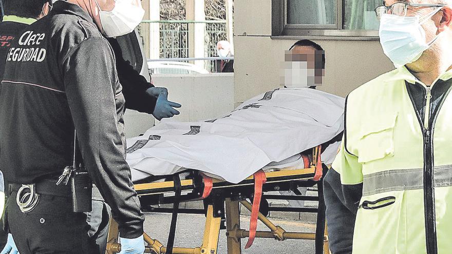 El coronavirus obliga a duplicar camas de UCI en la provincia de Alicante y a añadir otras 700 de ingreso