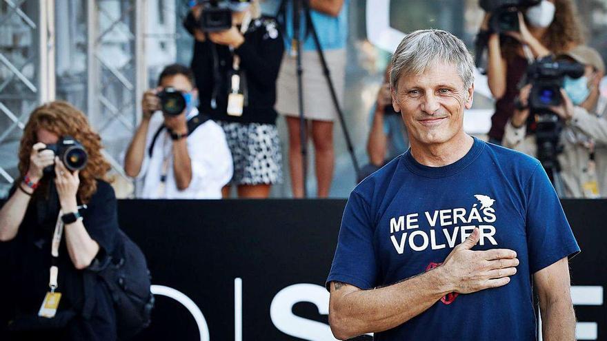 Viggo Mortensen llega para recoger el premio Donostia