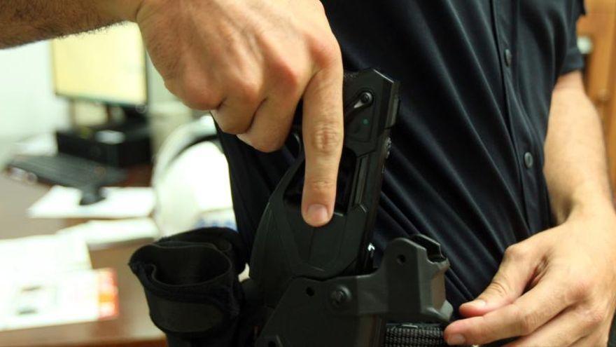 La Ertzaintza forma a la Policía canaria en el uso de las pistolas eléctricas