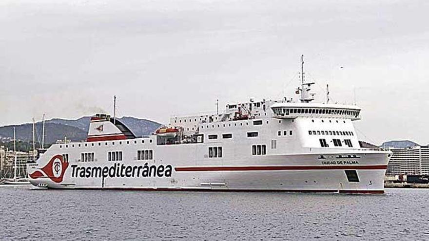 Trasmediterránea suspende su servicio entre Alcúdia y Ciutadella