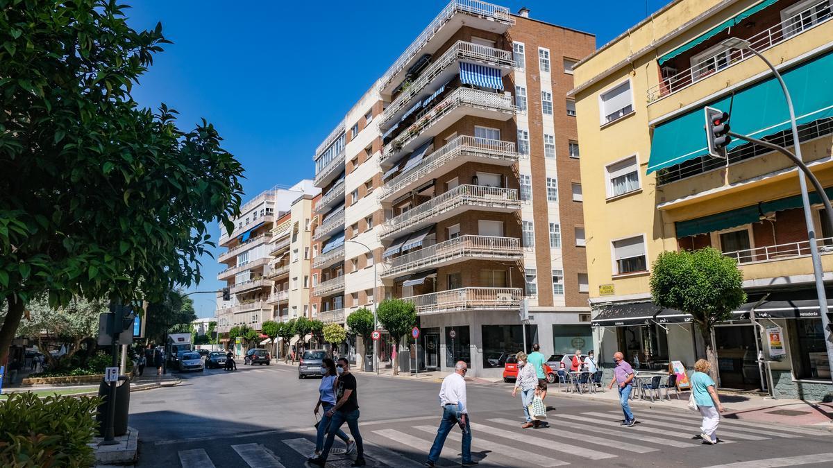 La avenida Villanueva, ya de Miguel Celdrán.
