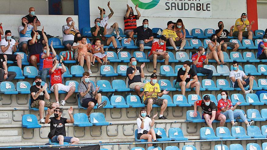 Jácome proyecta llevar Ourense al fútbol profesional