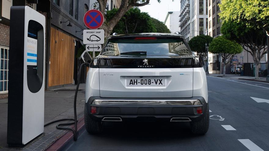 Arranca en Galicia el plazo para pedir ayudas para comprar coches híbridos y eléctricos