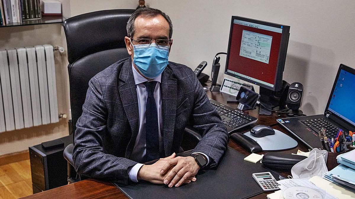 Juan Manuel Gago Rodríguez, en su despacho.