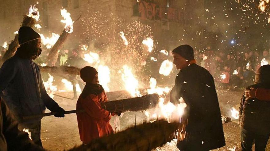 L'Alt Urgell tornarà a cremar falles per Sant Joan cinc segles després