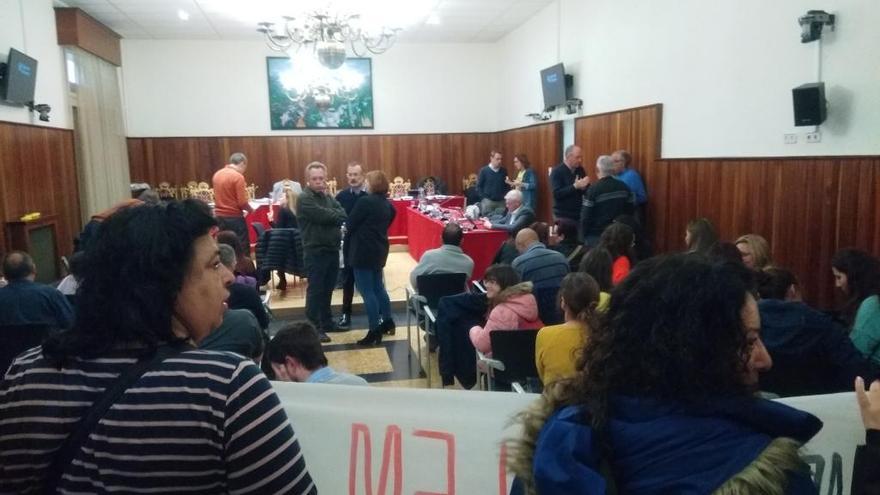 Figueres aprova demanar l'obertura total de comerços inclosos els dies festius