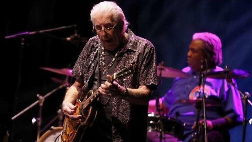 "John Mayall celebra en Pontevedra sus 85 años con la gira ""85th Anniversary Tour"""