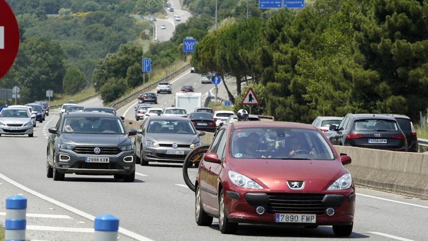 L'operació tornada de la segona Pasqua es fa notar a les carreteres gironines