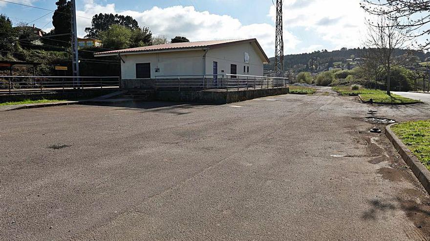 El tripartito proyecta un aparcamiento en la estación de Piedras Blancas