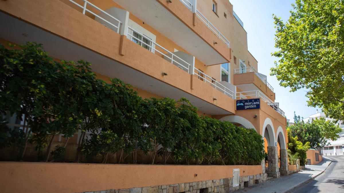Aislados diez turistas en el hotel del Govern por un contagio de Covid