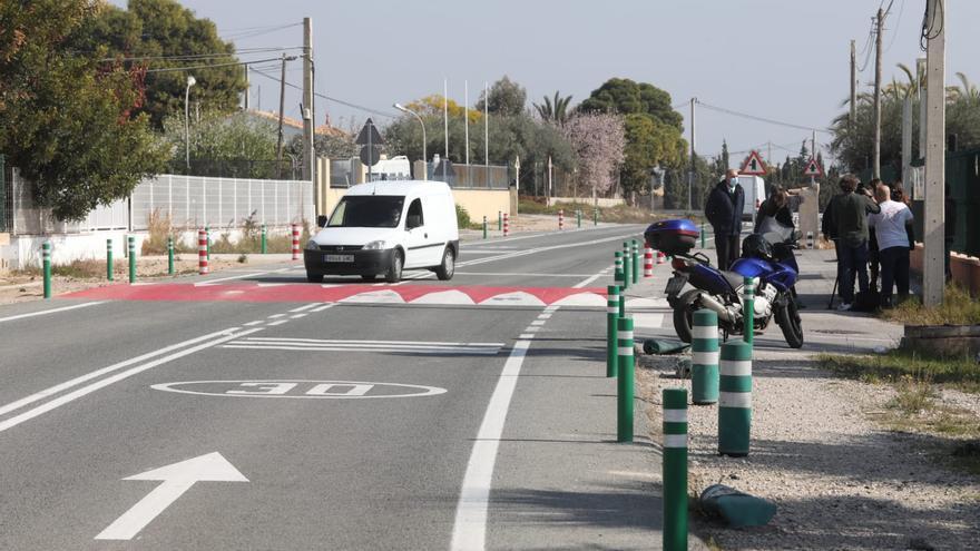 El vial de Torrellano al aeropuerto gana en seguridad y evita que estacionen camiones
