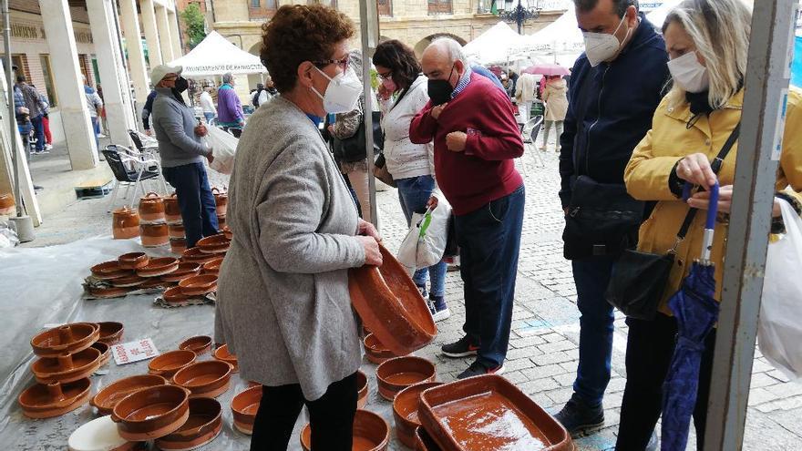 El Ayuntamiento de Benavente destaca la buena acogida de las Ferias del Pimiento y la Cerámica