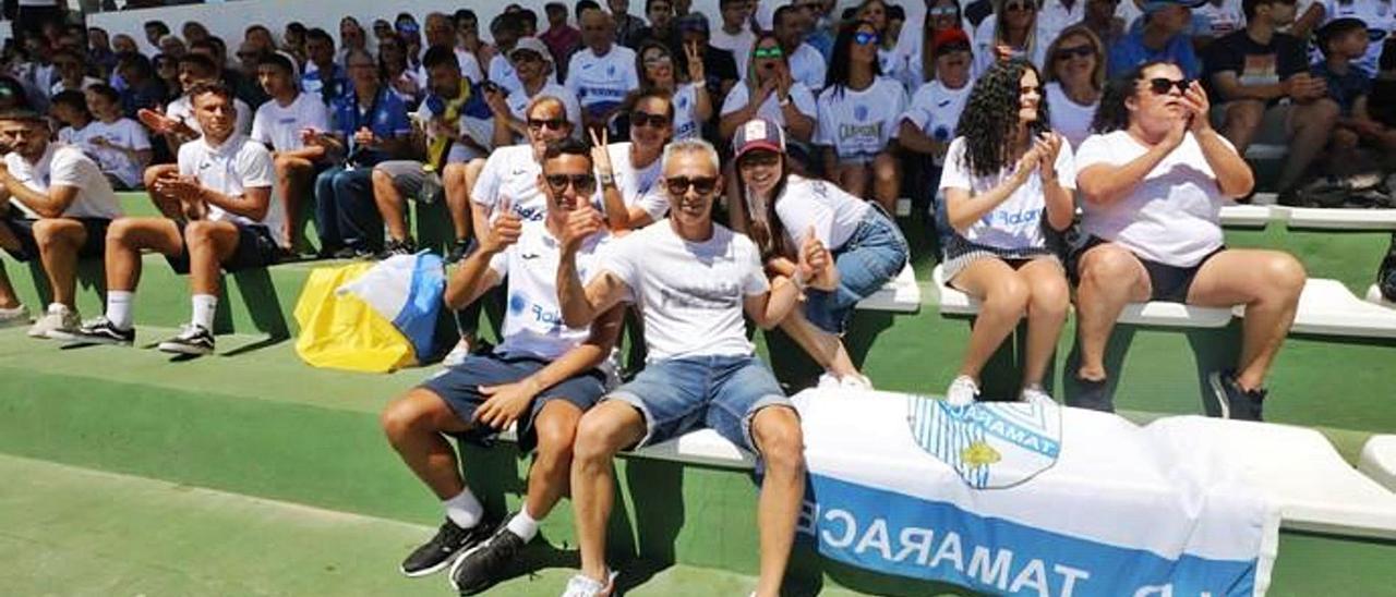 Aficionados del 'Támara' en un partido en 2019
