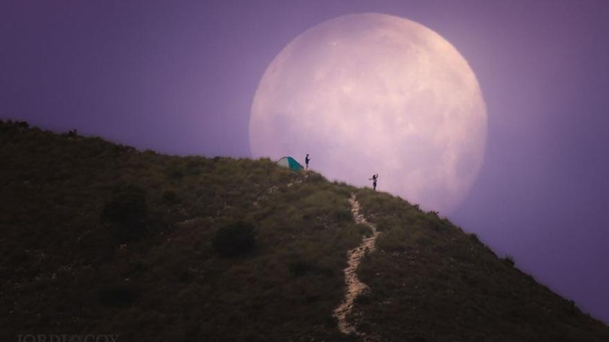 La superluna de esta semana vista desde Elda