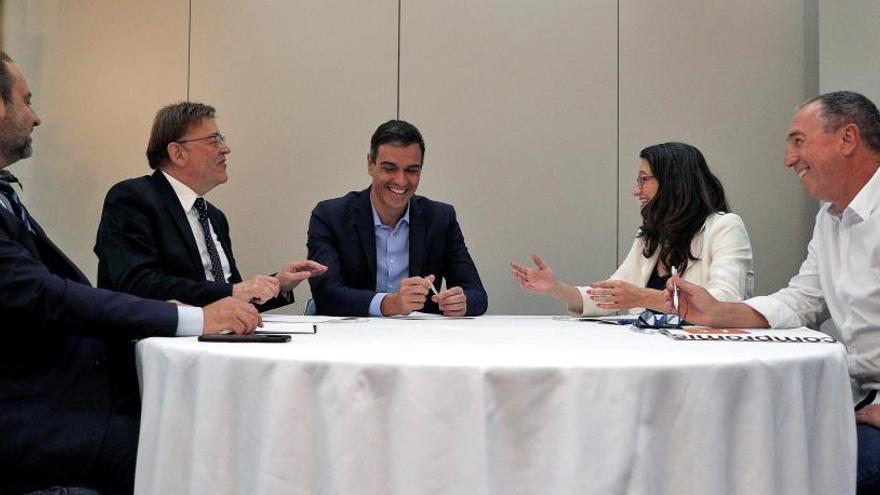 PSOE y Compromís pactarán un documento programático para apoyar la investidura