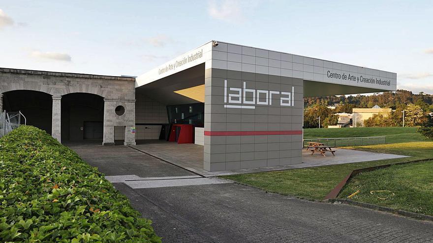 Los patronos privados de Laboral dejan su Fundación por la deriva del centro