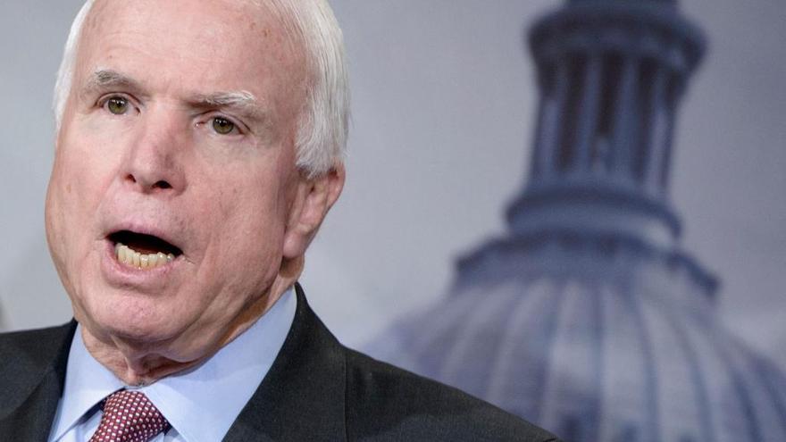 John McCain no quiere a Trump en su funeral