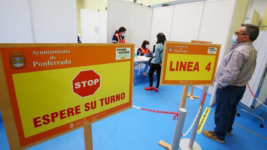 Castilla y León advierte: están apareciendo convocatorias falsas para vacunarse contra el COVID