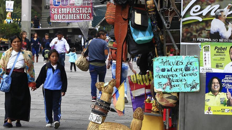 Ecuador celebra elecciones para poner fin al ciclo de Rafael Correa