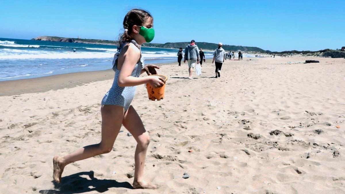 El uso de mascarilla en Galicia se amplía a las playas