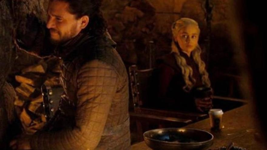 Genial respuesta de HBO al gazapo del café en 'Juego de Tronos'