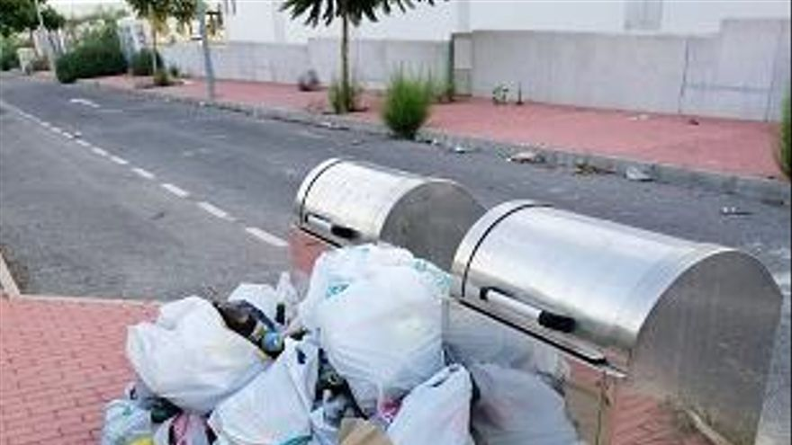 Imágenes del estado de abandono de la urbanización de La Coronelita en Torrevieja, según asegura Los Verdes