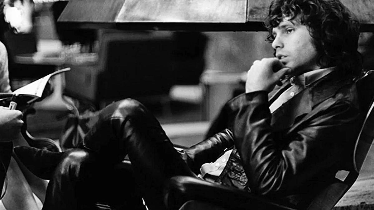 El cantante Jim Morrison, líder del grupo de rock los Doors