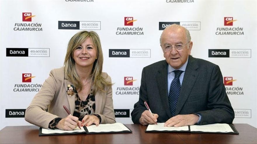 Bankia y Cajamurcia destinan casi 100.000 euros para personas con discapacidad en la Región