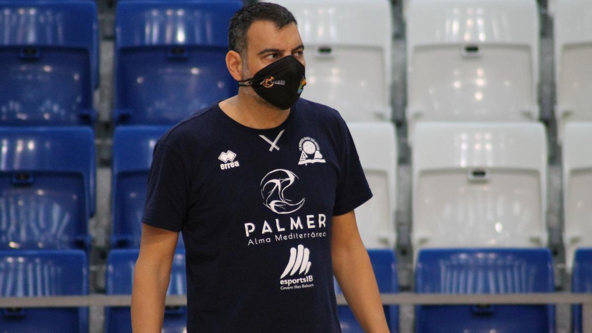 Álex Pérez, durante un entrenamiento en Son Moix.
