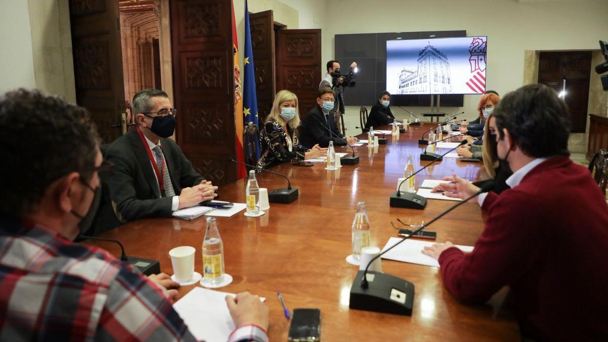 Puig pide al ocio, comercio y restauración controlar los aforos estas navidades